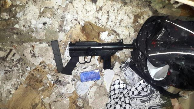 """הנשק ששימש את החולייה (צילום: תקשורת שב""""כ)"""