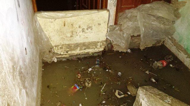 מי  גשמים הציפו בתים (צילום: Gaza news now)