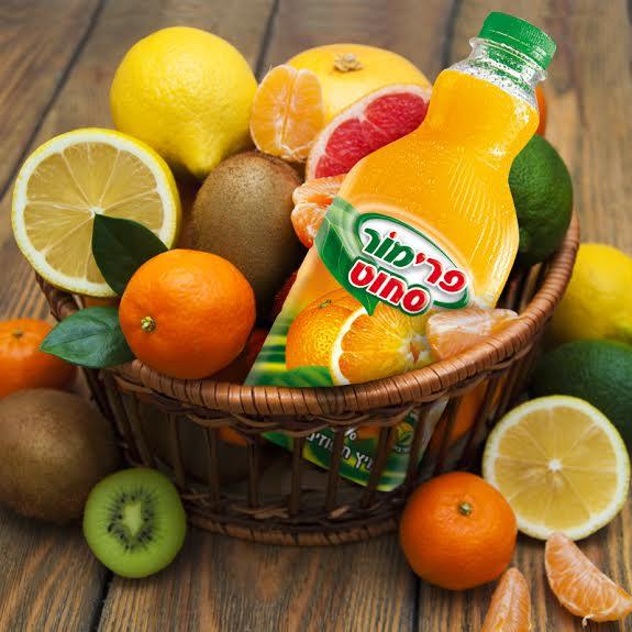 הוסיפו למשלוח המנות פירות ומצי פרי מור. צילום: יחצ