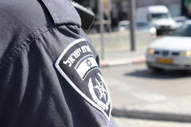 סורקים אחר החשוד שנמלט (תמונת אילוסטרציה: חטיבת דובר המשטרה)