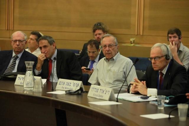 """ראש המוסד לשעבר, אפרים הלוי מזהיר מאיבוד יהדות ארה""""ב, """"משום שאיננו רואים בהם יהודים עפ""""י ההלכה"""""""