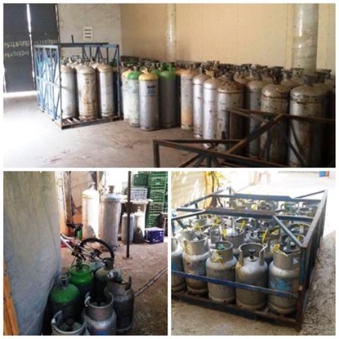 5 טון גז ב 300 מיכלים (צילום: חטיבת דובר המשטרה)