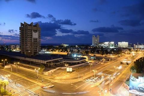 תערוכה חדשה: שכונת בת גלים בחיפה, בצילום ובשירה.