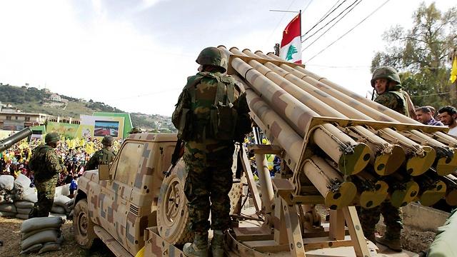 החיזבאללה מאיימים בתרגיל צבאי (צילום מסך)