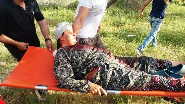 בדיה עודה (70) מפונה לאחר שספגה סלע בראשה (צילום: זכאריה סעדה)
