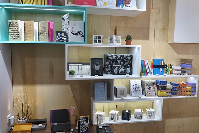 כבוד ישראלי לנייר ומוצריו בחנות החדשה של PULP לאמנות העיצוב