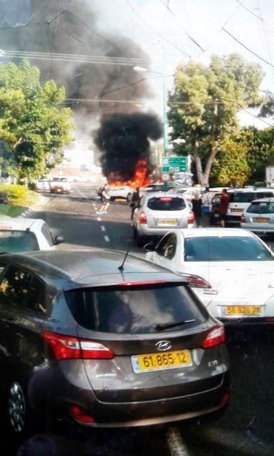 הרכב עולה באש בקריית חיים (חדשות לפני כולם)