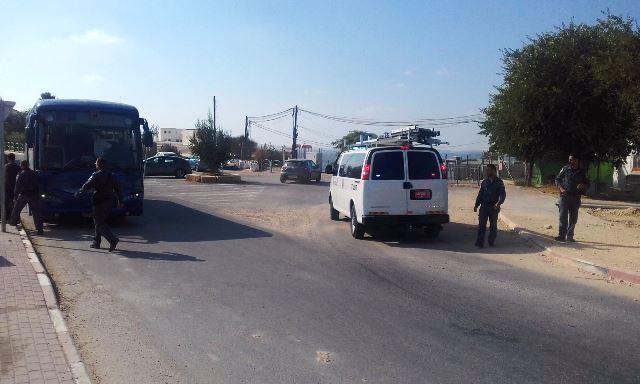 האוטובוס לאחר התקיפה (צילום באדיבות חוננו)