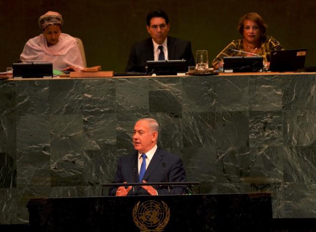 """חצי אמת ורודה. נתניהו בנאומו בעצרת האו""""ם (צילום: אבי אוחיון/לע""""מ)"""