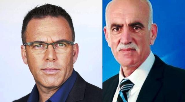 """מימין ראש מועצת ריינה - חאלד טאטור, משמאל - עו""""ד גיל בר"""