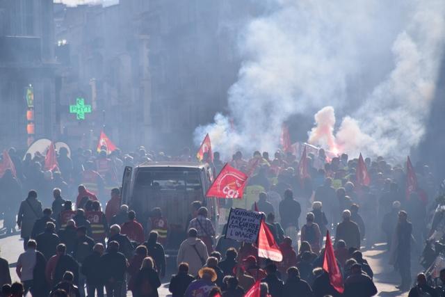 עוד יום הפגנות ושביתה כללית בצרפת