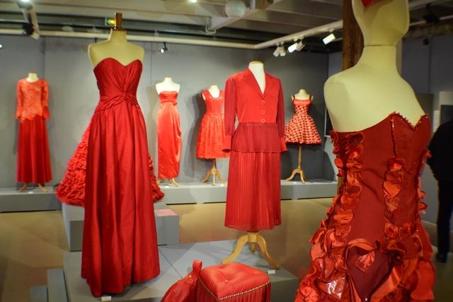 התשוקה לאדום – תערוכה