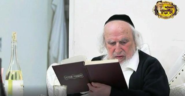 """הרב שמואל אויערבאך ז""""ל, מנהיגה הבלתי מעורער של הפלג הירושלמי (צילום מסרטון בהפקת הפלג)"""