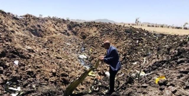 זירת התרסקות המטוס (צילום קבוצת Ethiopian Airlines)