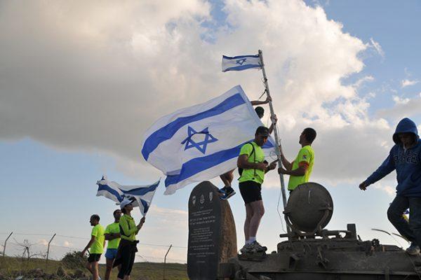 """""""ריצת אנדרטאות"""" בגולן ביום הזיכרון לחללי מערכות ישראל"""