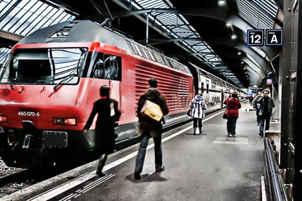 נסיעה ברכבת באמצעות כרטיס אשראי בלבד