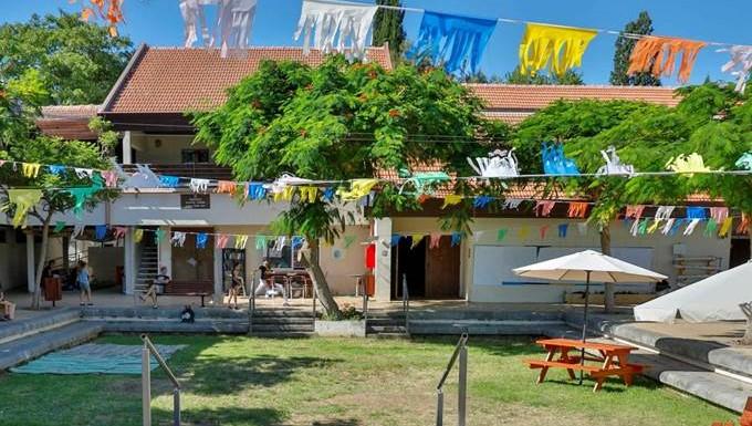 """""""טאבולה ראסה"""", פסטיבל אמנות רב-תחומי במבנה לפני הריסה"""