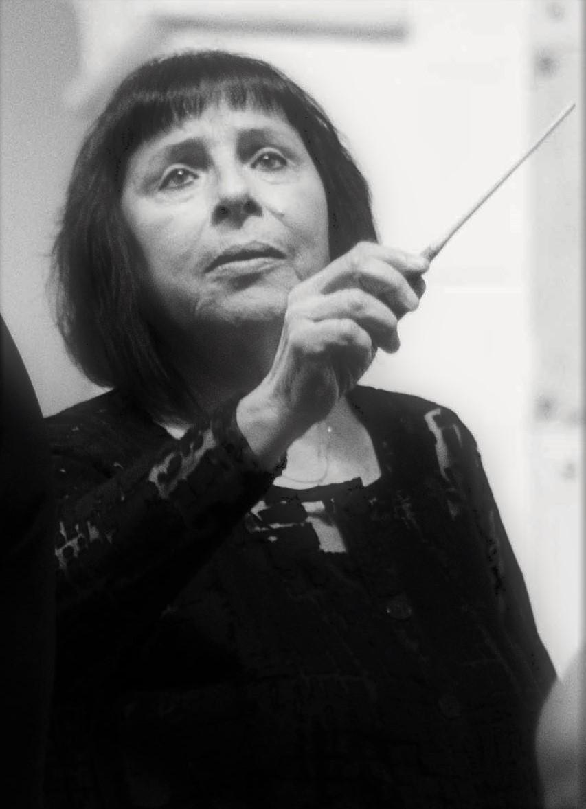 המנצחת חנה צור, תמונה של יואל לוי