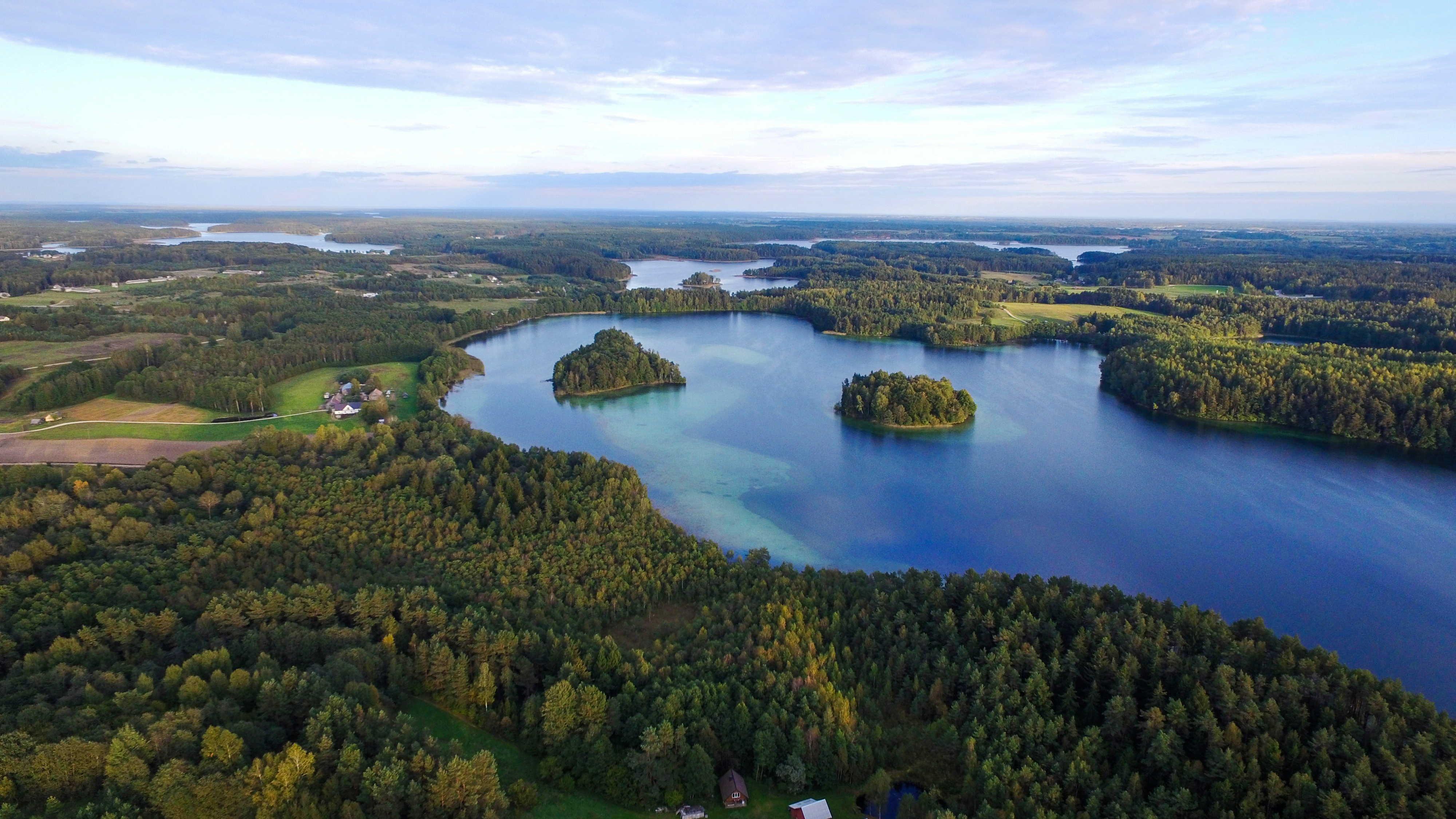 חופשה משפחתית במולטאי, ליטא: 300 אגמים ואינספור יערות