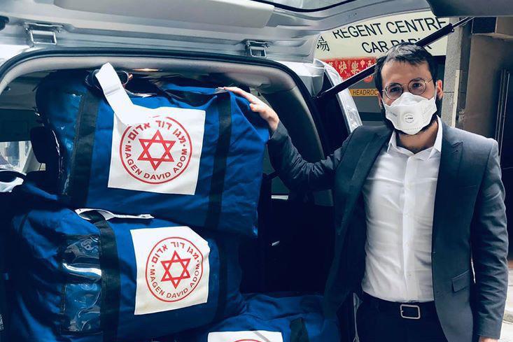 ציוד מיגון נגד הידבקות של מדא הגיע להונג קונג - צילום חבד הונג קונג 3.2.2020