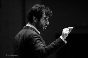 המנצח סרגיי סמבטיאן, תמונה של Lusi Sargsyan