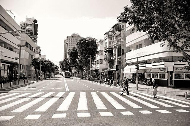 תל אביב בימי קורונה. רחוב דיזנגוף, מבט מהכיכר. צילום: דן בר-דוב / מגפון ניוז