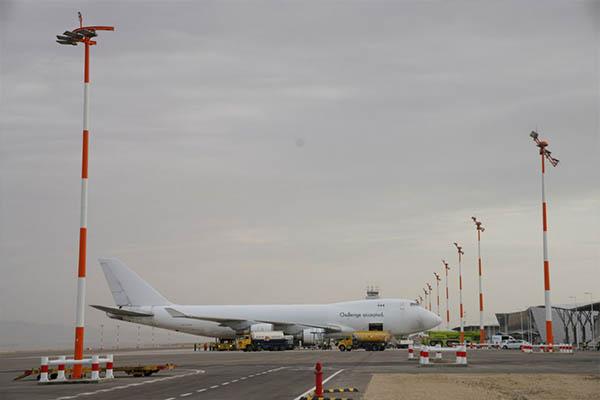 """לראשונה: מטוס מטען עם ציוד צבאי מארה""""ב נחת בנמל התעופה """"רמון"""""""