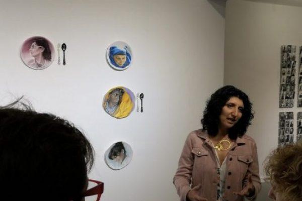"""תחת תירוץ הקורונה, התערוכה """"עושות היסטוריה"""" ננעלת חודש לפני המועד המקורי"""