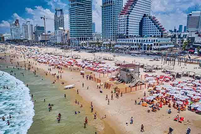 """""""חוף עונה"""", קמפיין לעידוד חופשה במלונות תל אביב"""