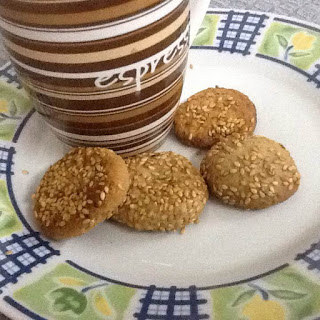 עוגיות שומשום וקוקוס נימוחות