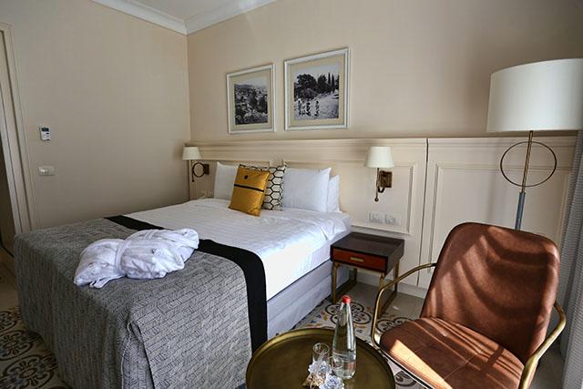 אחד מ 66 החדרים הנאים שבמלון (צילום: דן בר דוב)