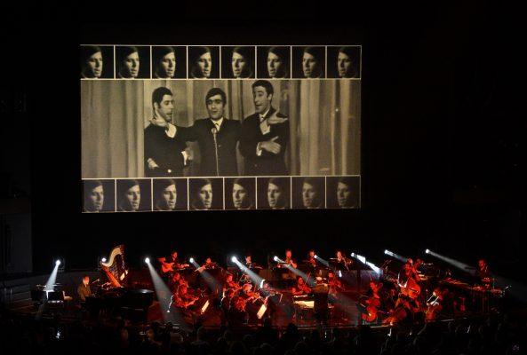 תזמורת המהפיכה, תמונה של משה צ'יטיאת