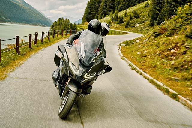 אופנוע התיור R 1250 RT BMW המחיר החל מ 173 אלף שח (צילום באדיבות היצרן)