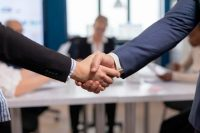 satisfied-businessman-company-employer-wearing-suit-handshake-new-employee-get-hired-job-interview-man-hr-manager-employ-successful-candidate-shake-hand-business-meeting-placement-concept